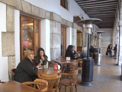 Proyecto desarrollado por CASANOVA en Sueca (Valencia): mesas, sillas y mobiliario de hostelería (1).
