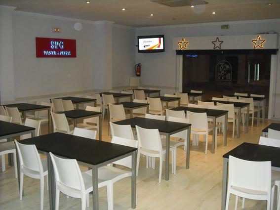 Proyecto desarrollado por CASANOVA en Sueca (Valencia): mesas, sillas y mobiliario de hostelería (2).