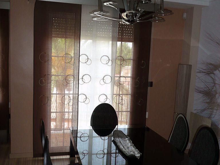 Proyecto 22140 desarrollado por CASANOVA en Sueca (Valencia): mesas, sillas, panel japonés, iluminación y decoración (7).