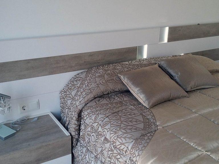 Proyecto 27334 desarrollado por CASANOVA en Sueca (Valencia): dormitorio, iluminación, panel japonés y ropa de cama.
