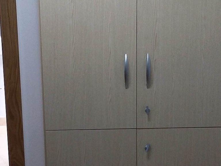Proyecto 27334 desarrollado por CASANOVA en Sueca (Valencia): mobiliario de oficina.
