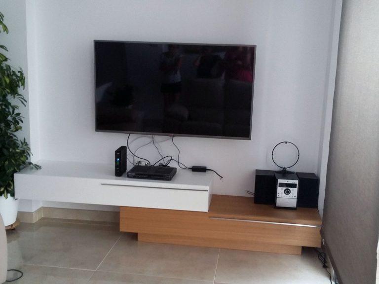 Proyecto 27334 desarrollado por CASANOVA en Sueca (Valencia): composición de salón y mueble TV.