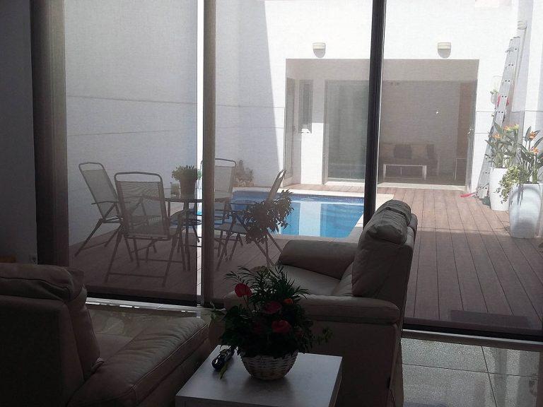 Proyecto 27334 desarrollado por CASANOVA en Sueca (Valencia): sofá de 2 + 2 plazas.