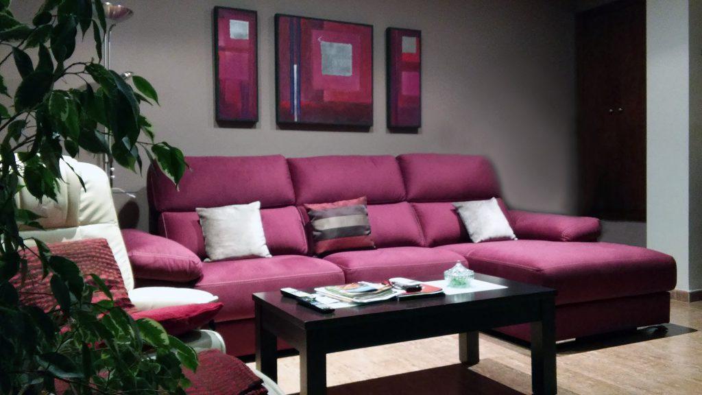 Proyecto 18676 desarrollado por CASANOVA en Sueca (Valencia): sofá con chaiselongue y mesa centro (1).