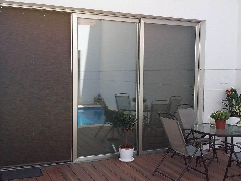 Proyecto 27334 desarrollado por CASANOVA en Sueca (Valencia): set de terraza compuesto por mesa y 4 sillas.