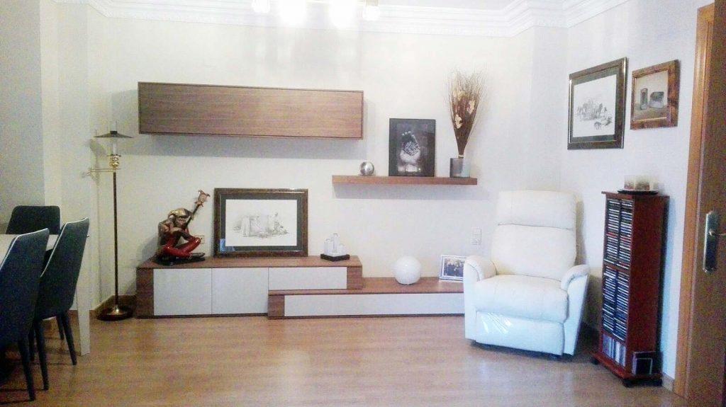 Proyecto 9268 desarrollado por CASANOVA en Sueca (Valencia): mesa de comedor, 6 sillas, composición de salón, iluminación, sillón relax, tapicería y decoración (3).