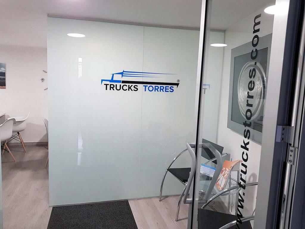 Proyecto de oficina trucks torres muebles casanova for Proyecto oficina
