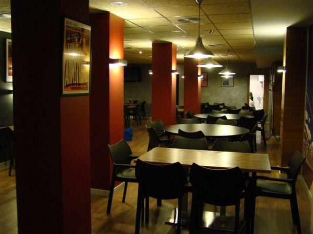 Proyecto desarrollado por CASANOVA en Sueca (Valencia): sillas y mobiliario de hostelería (5).