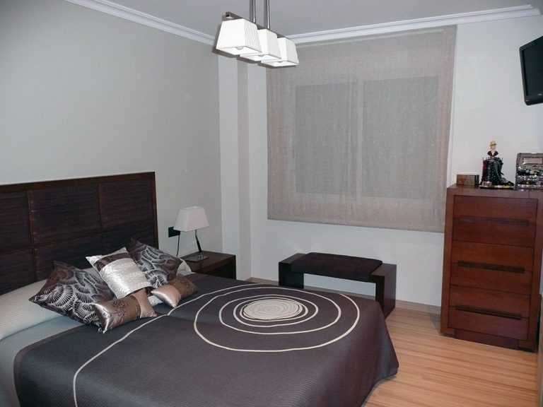 Proyecto 22140 desarrollado por CASANOVA en Sueca (Valencia): dormitorio, iluminación y decoración (1).