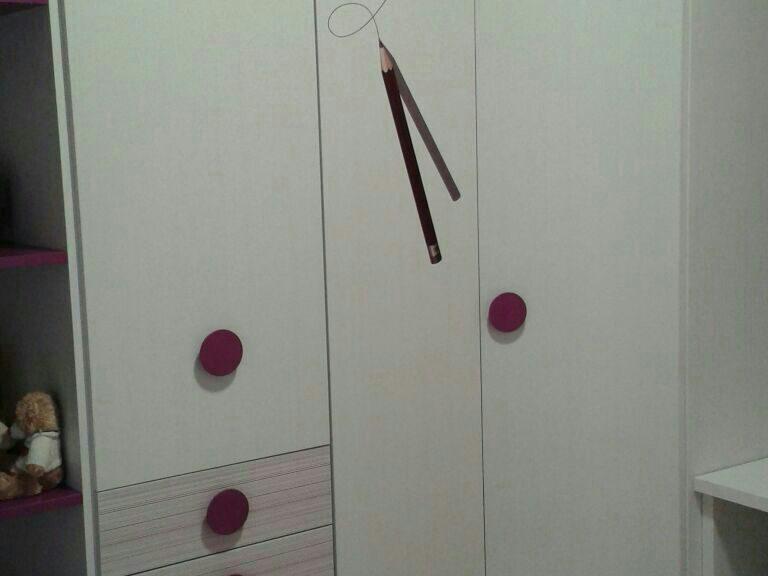 Proyecto CAA desarrollado por CASANOVA en Fortaleny (Valencia): armario del dormitorio juvenil (4).