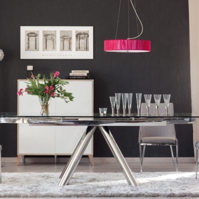 Mesa de comedor con sillas (59 - SMS3), disponible en CASANOVA.