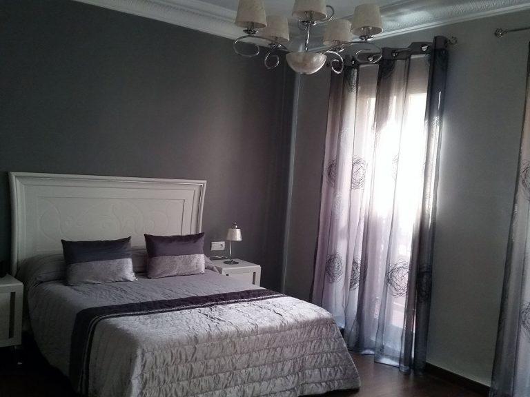 Proyecto 27936, desarrollado por CASANOVA en Algemesí (Valencia): dormitorio de matrimonio e iluminación.
