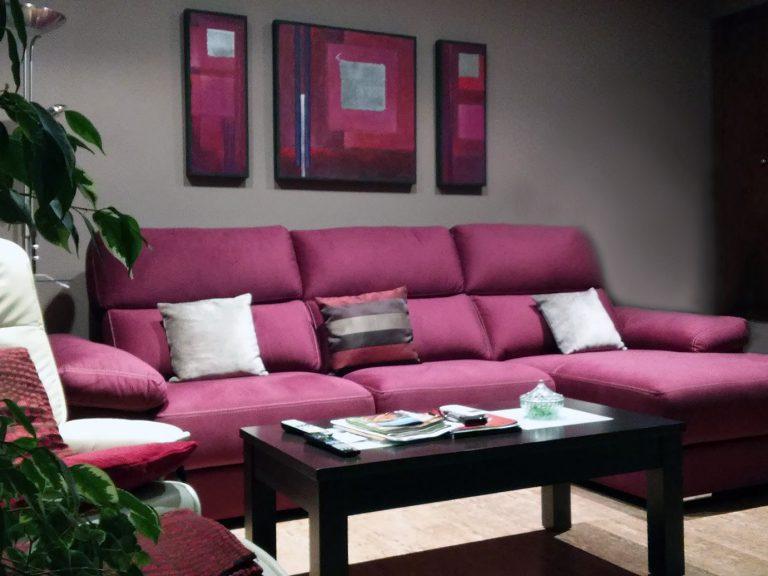 Proyecto 18676, desarrollado por CASANOVA en Sueca (Valencia): sofá con chaiselongue y mesa centro (1).