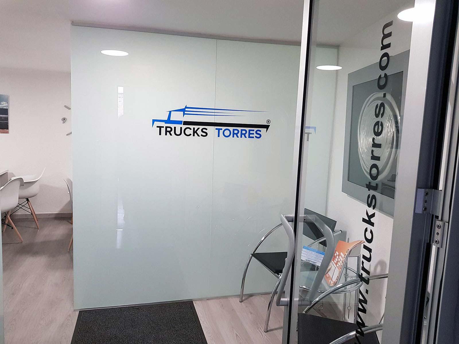 Oficinas de una empresa de vehículos industrialesen Quart De Poblet (Valencia)