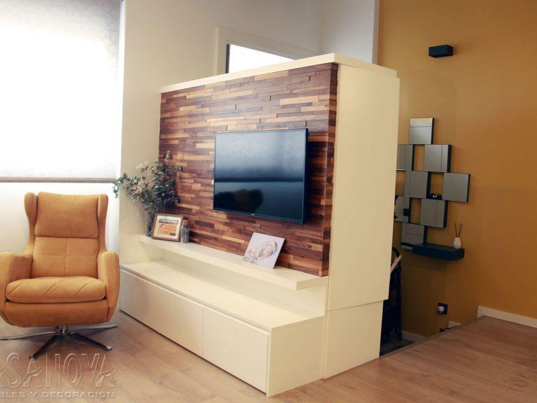 Proyecto 28436 desarrollado por CASANOVA en Sueca (Valencia): recibidor, salón, butaca, iluminación, cortina enrollable y decoración. Decoración completa del hogar.