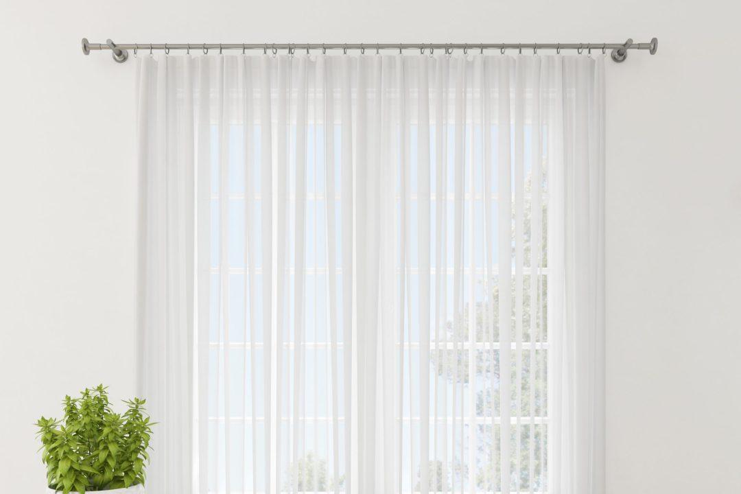 Los tejidos ligeros son muy útiles para dar un toque veraniego a cualquier hogar.